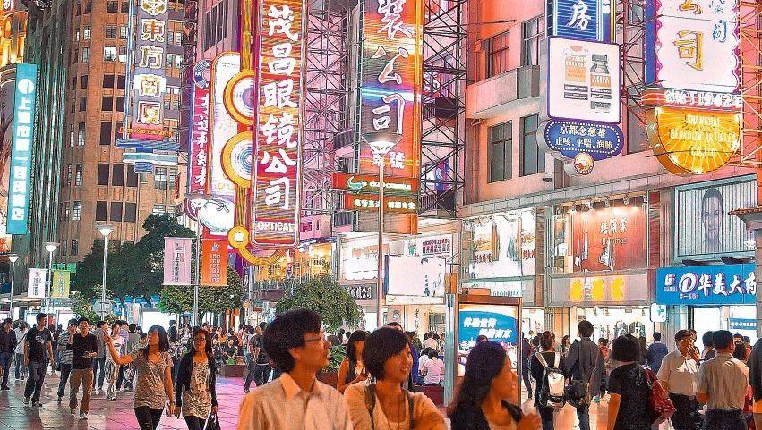 Einkaufsstraße in Shanghai: Völker, an die Regale!