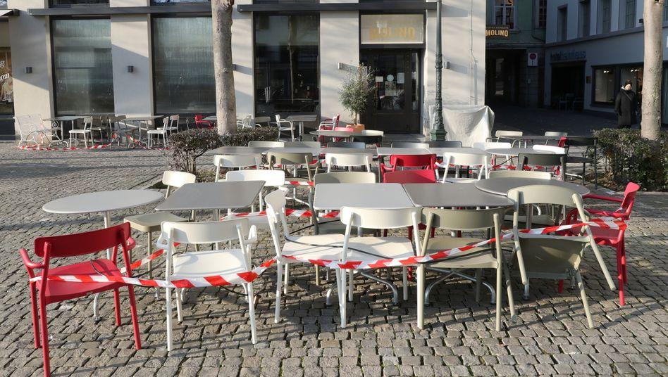 Geschlossenes Restaurant in Zürich: Die Schweiz verlängert und verschärft die Anti-Corona-Maßnahmen
