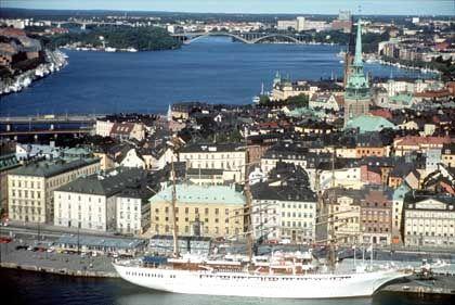 Der Hafen von Stockholm wird in diesem Sommer von vielen Kreuzfahrt-Schiffen angesteuert