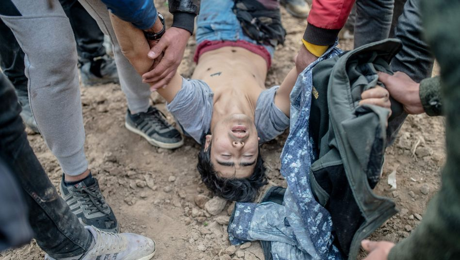 On March 4 at the Turkish-Greek border, four migrants were shot within four minutes.