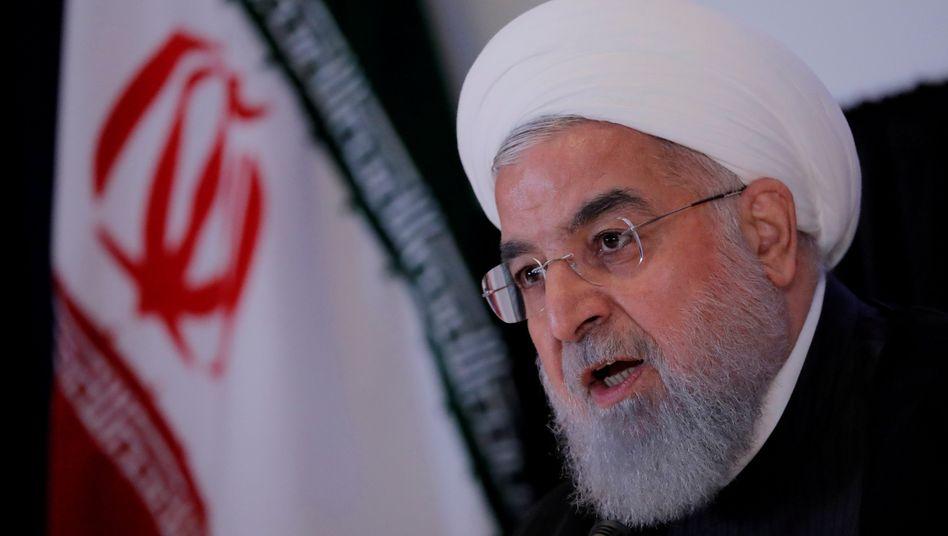 Irans Präsident Hassan Rohani droht den Vereinigten Arabischen Emiraten mit Konsequenzen, nachdem sich der Golfstaat mit Israel auf die Aufnahme diplomatischer Beziehungen geeinigt hatte