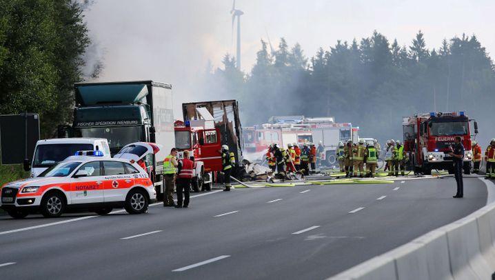 Münchberg in Bayern: Schwerer Busunfall auf der A9