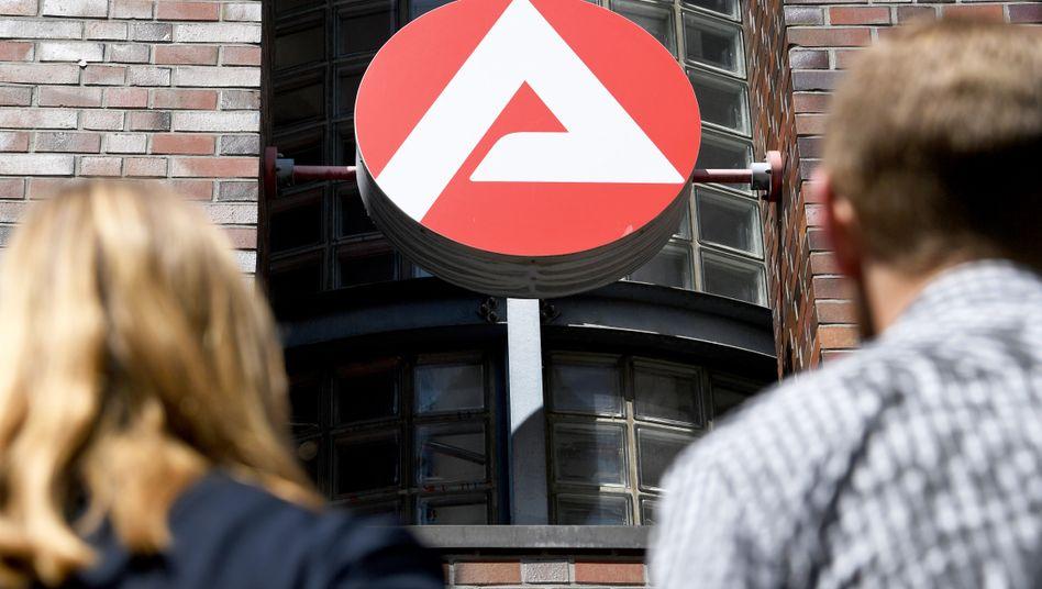 Arbeitsagentur in Kiel: Deutlich weniger Angebote für Jobsuchende