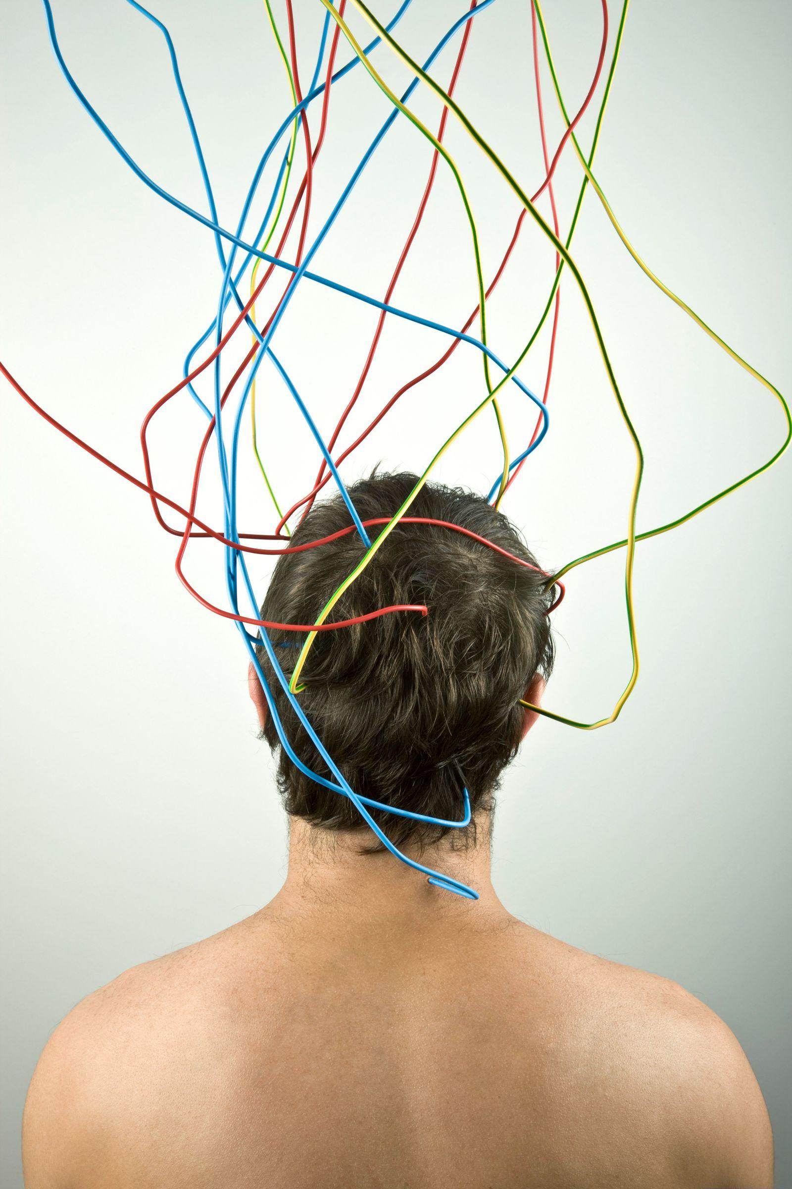 NICHT MEHR VERWENDEN! - Symbolbild Kopf mit Kabeln/ Mensch/ verkabelt
