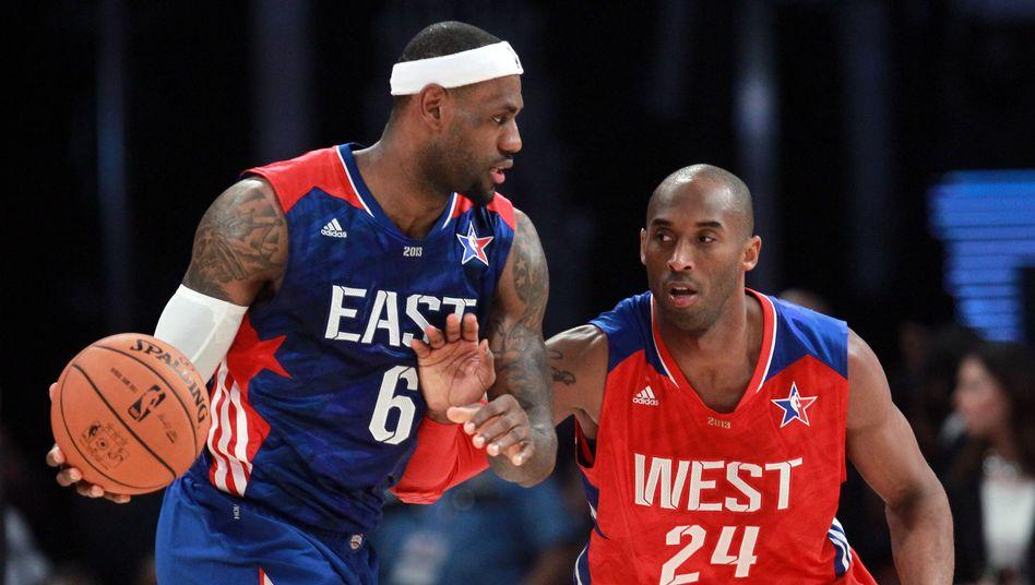 Zwei Größen ihres Sports: LeBron James und Kobe Bryant während des NBA-All-Star-Spiels 2013