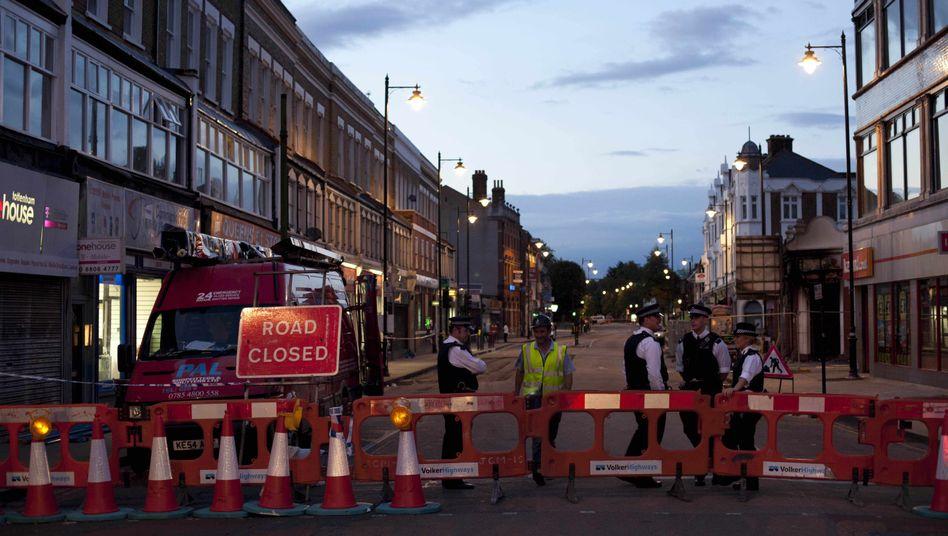 Straßensperre der Polizei in London: Ruhige Nacht in der Hauptstadt