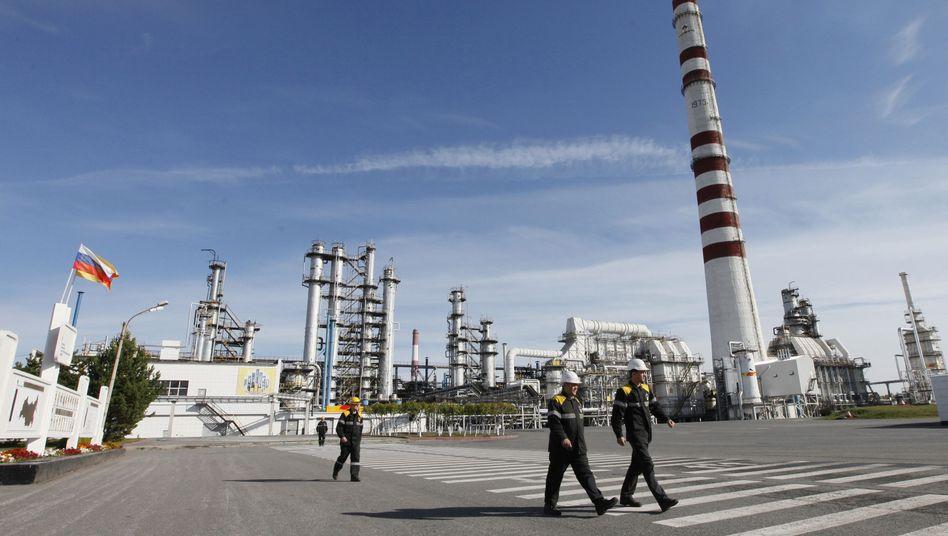Ölraffinerie von Rosneft: Erdölboss reagiert empfindlich auf Sanktionsdrohungen