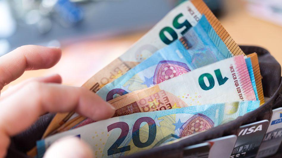 """Geld! Muss der, der es bekommt, etwas dafür leisten, um es zu """"verdienen""""?"""