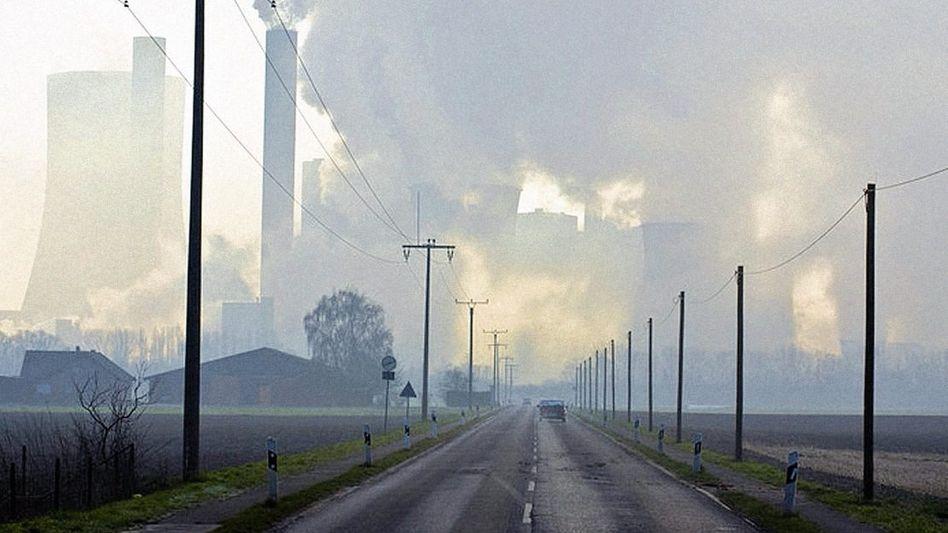 Kohlekraftwerk Niederaußem bei Köln: Beschleunigen statt bremsen