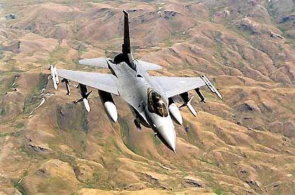 Falcon-Jet über dem Norden des Irak: Zu Beginn zehnmal so viele Bomben abwerfen wie im letzten Krieg