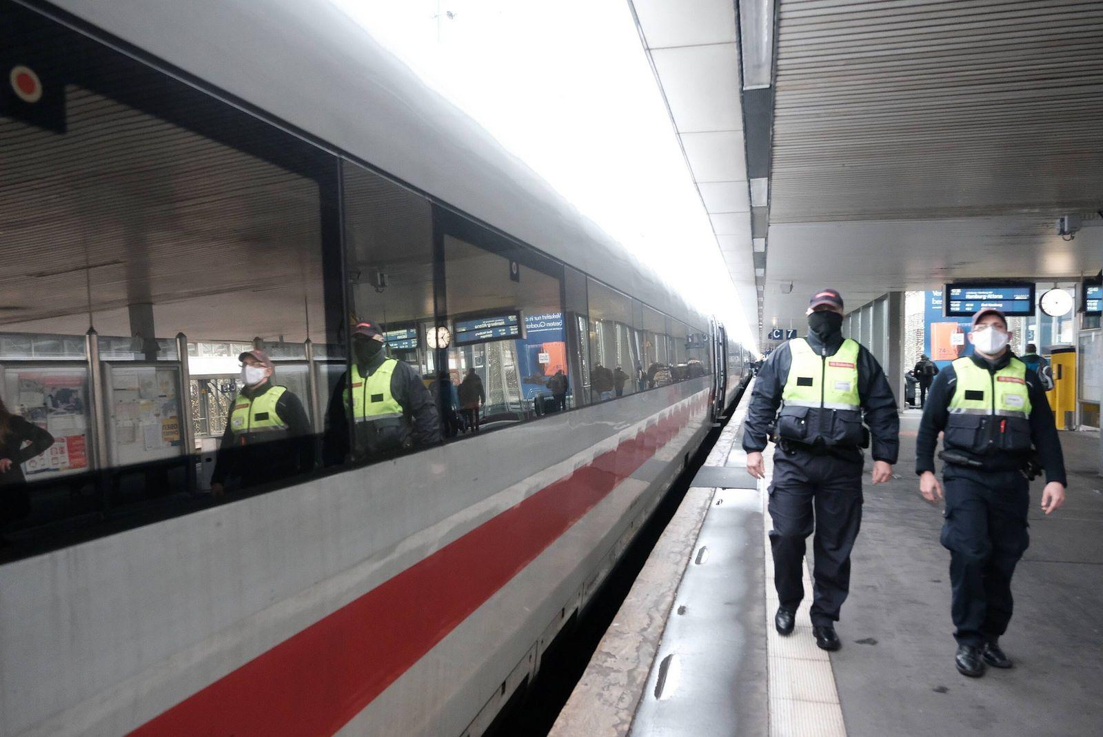 07.12.2020 xkhx, Einhaltung Corona Maskenpflicht Bundesweiter Aktionstag von Deutscher Bahn und Bundespolizei - umfangr
