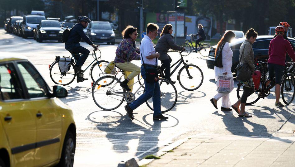 Radfahrer im Straßenverkehr: Es gibt immer mehr davon - doch daran allein liegt es nicht