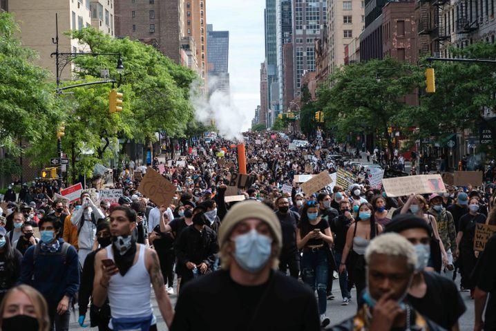 Proteste in New York: Tausende Menschen gingen auf die Straße