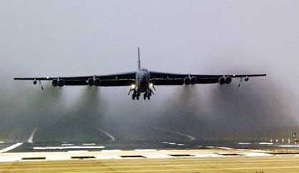 B-52 der US Air Force: Nehmen die Langstreckenbomber Bagdad ins Visier?