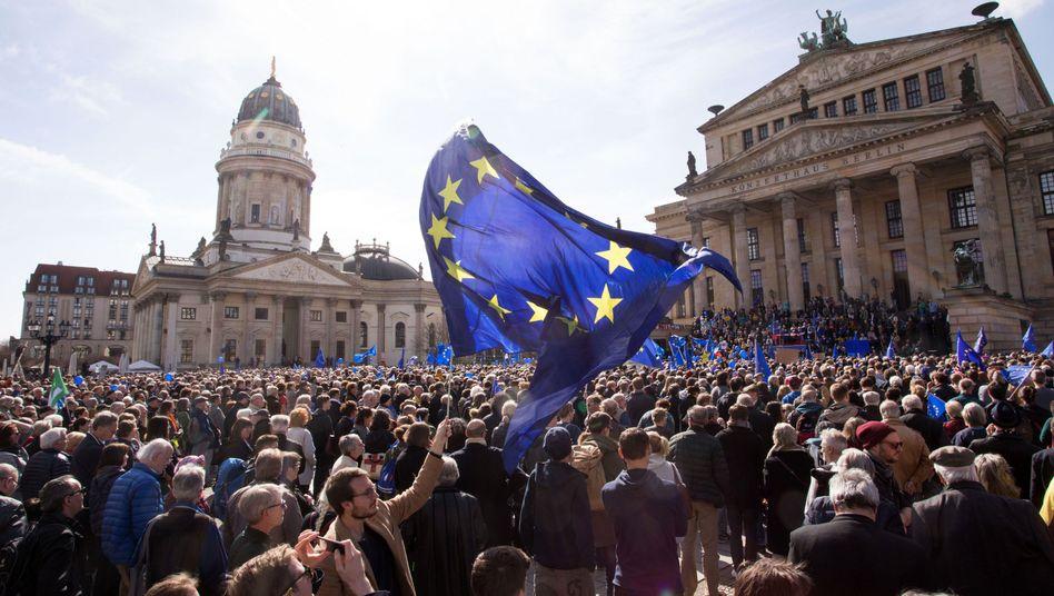 """Pro-EU-Demonstration von """"Pulse of Europe"""" in Berlin, 26. März 2017"""