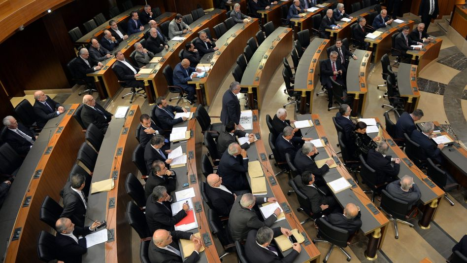 Parlamentarier in Beirut: 95 von 97 anwesenden Abgeordneten stimmten für die Verlängerung