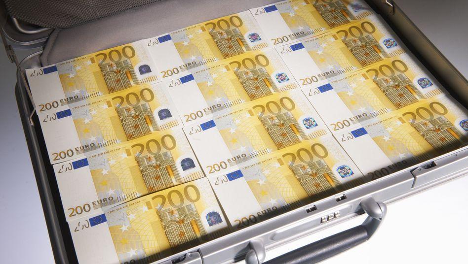 Geldkoffer: Wer wäscht, wird in Deutschland meist nicht nass