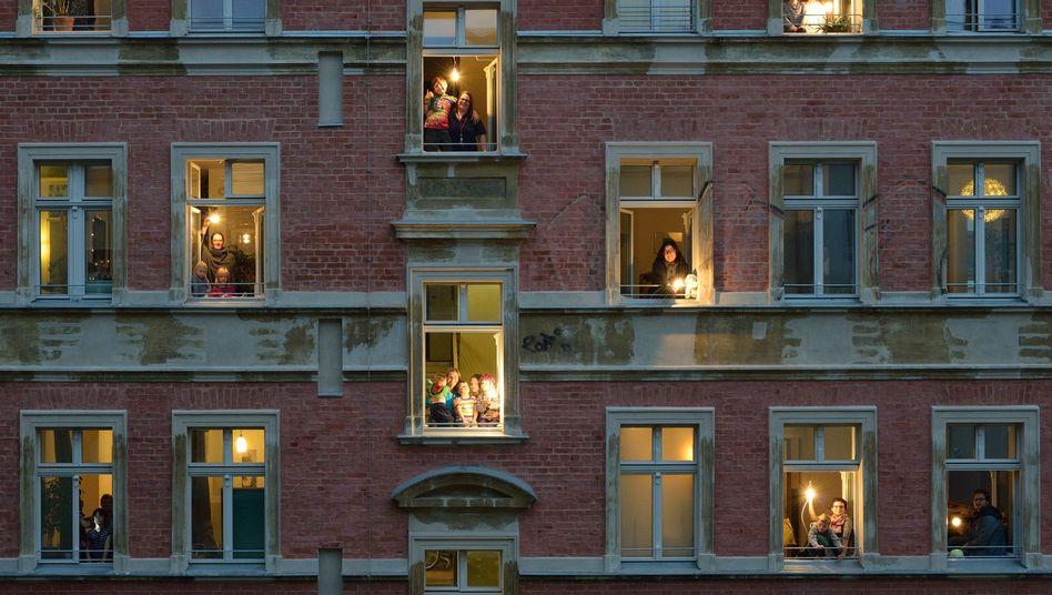 """""""23 Riesen"""" unter einem Dach: Die neuen Hausbesetzer von Potsdam"""