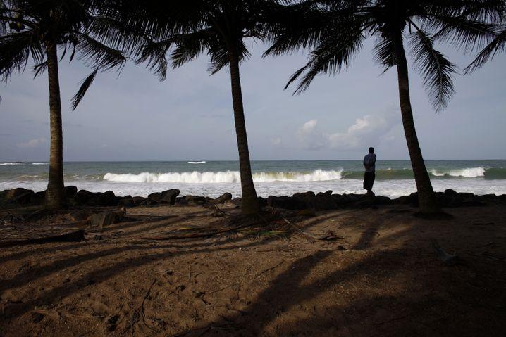 Sri Lanka: Lederjackenverkauf am Strand?