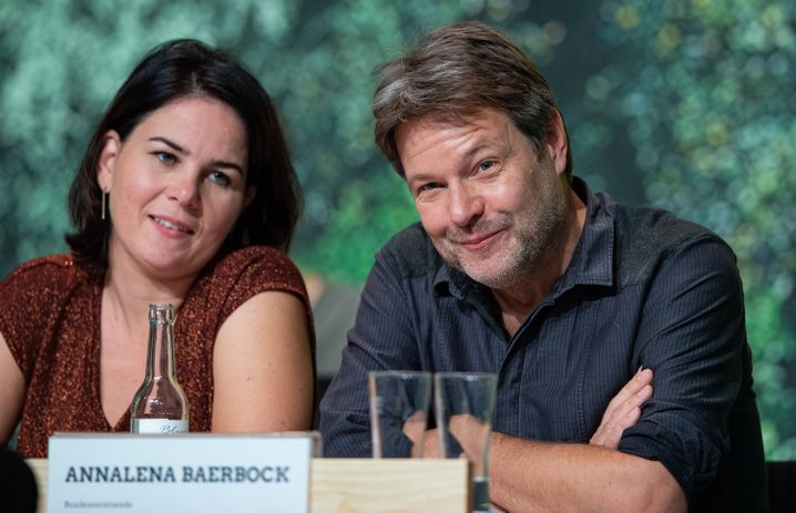 Grünen-Vorsitzende Annalena Baerbock und Robert Habeck