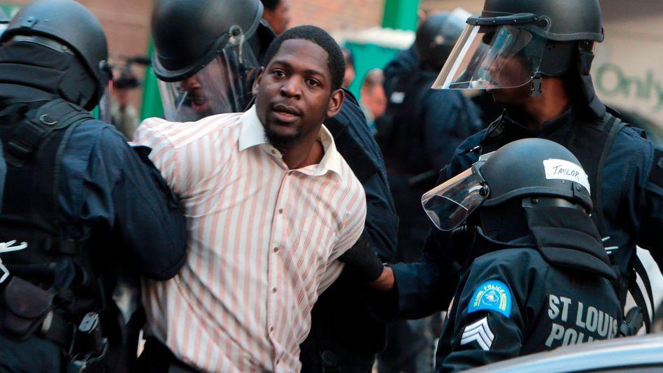 Erschossener Teenager: Obama prangert Schikane von Schwarzen in Ferguson an