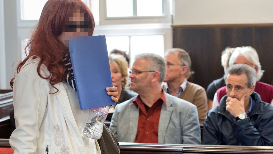 Heidi K. vor dem Landgericht Darmstadt: Wegen Freiheitsberaubung verurteilt