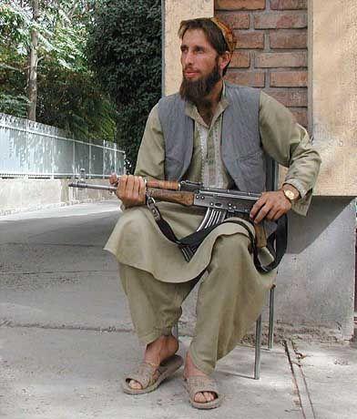 Ein Soldat der Taliban: Die Truppen der afghanischen Machthaber rücken gegen ihre Feinde vor