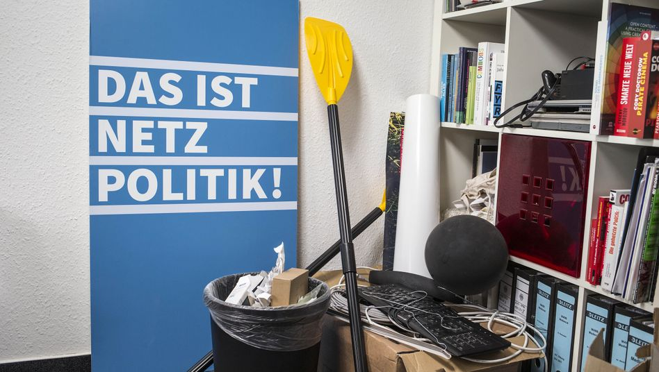 Netzpolitik.org was investigated for treason, but the case speaks volumes about uncertainties in the German government.