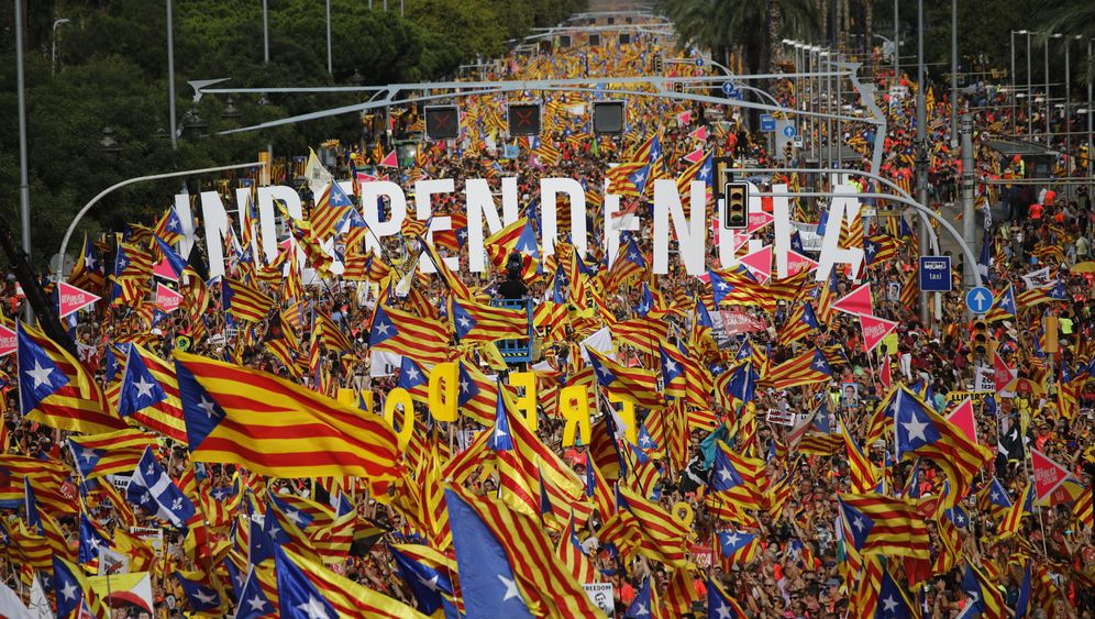 Fotostrecke: Rot und Gelb auf Barcelonas Straßen