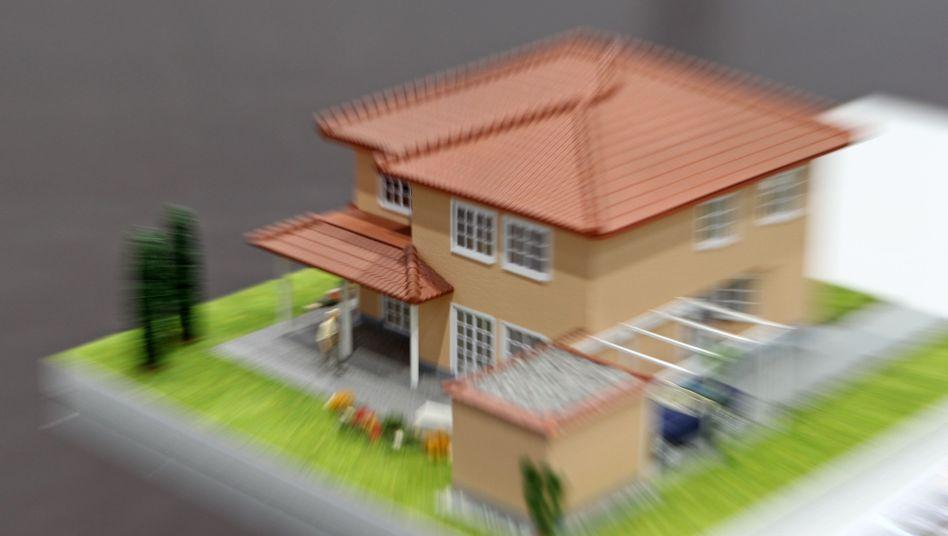 Einfamilienhaus (Architekturmodell): Augen auf im Zinstief