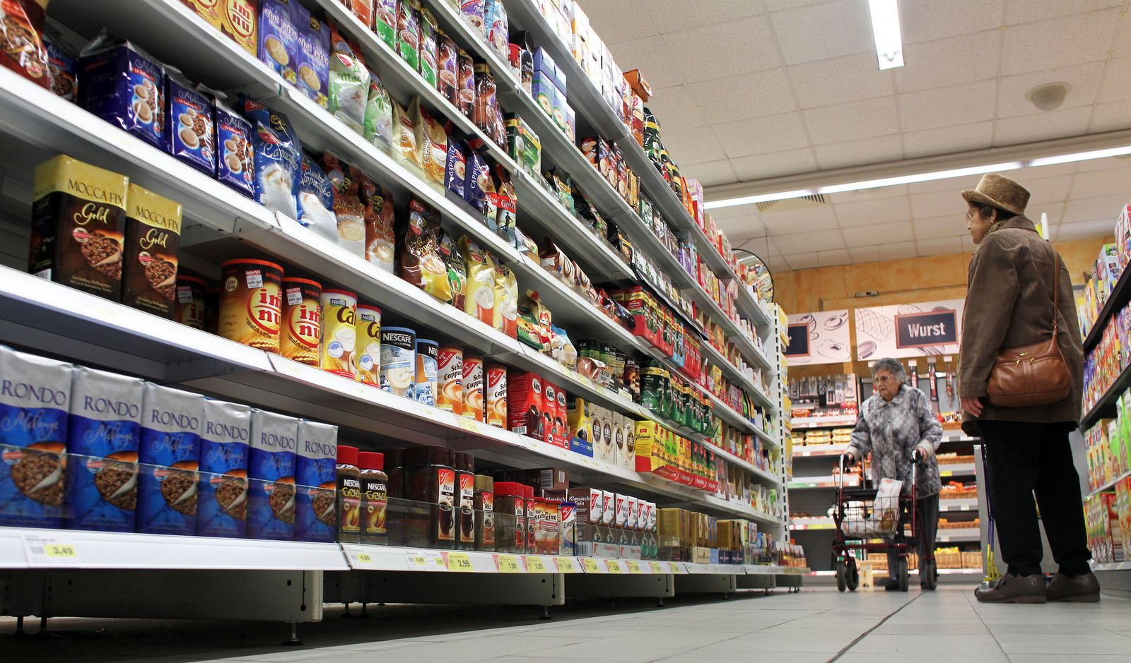 Supermarkt / Verbraucher / Kaufen