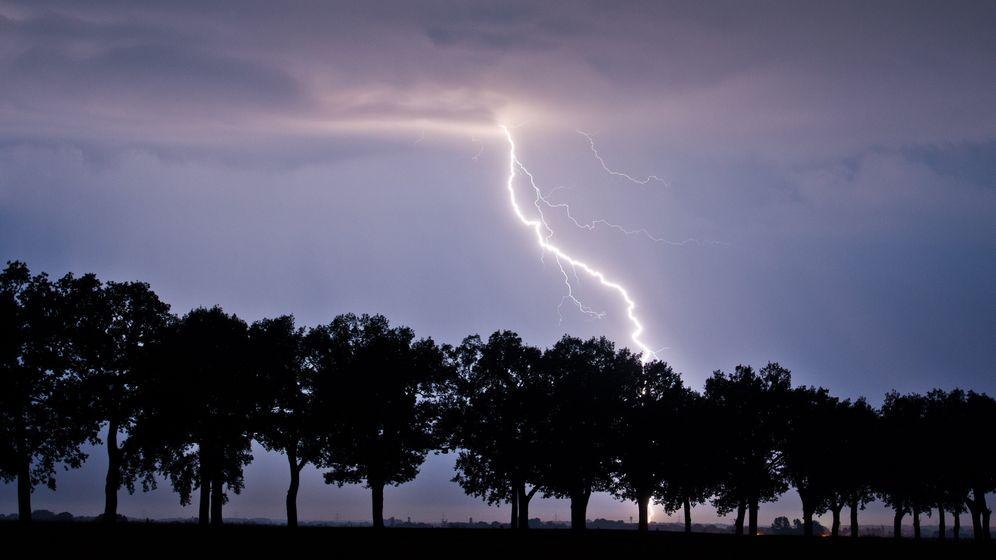 Photo Gallery: Thunder and Lightning Halt Train Traffic