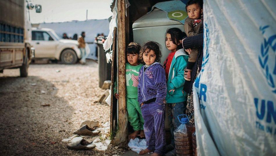 "Kinder in einem Flüchtlingscamp im Libanon: ""Stur nach Antragseingang"""