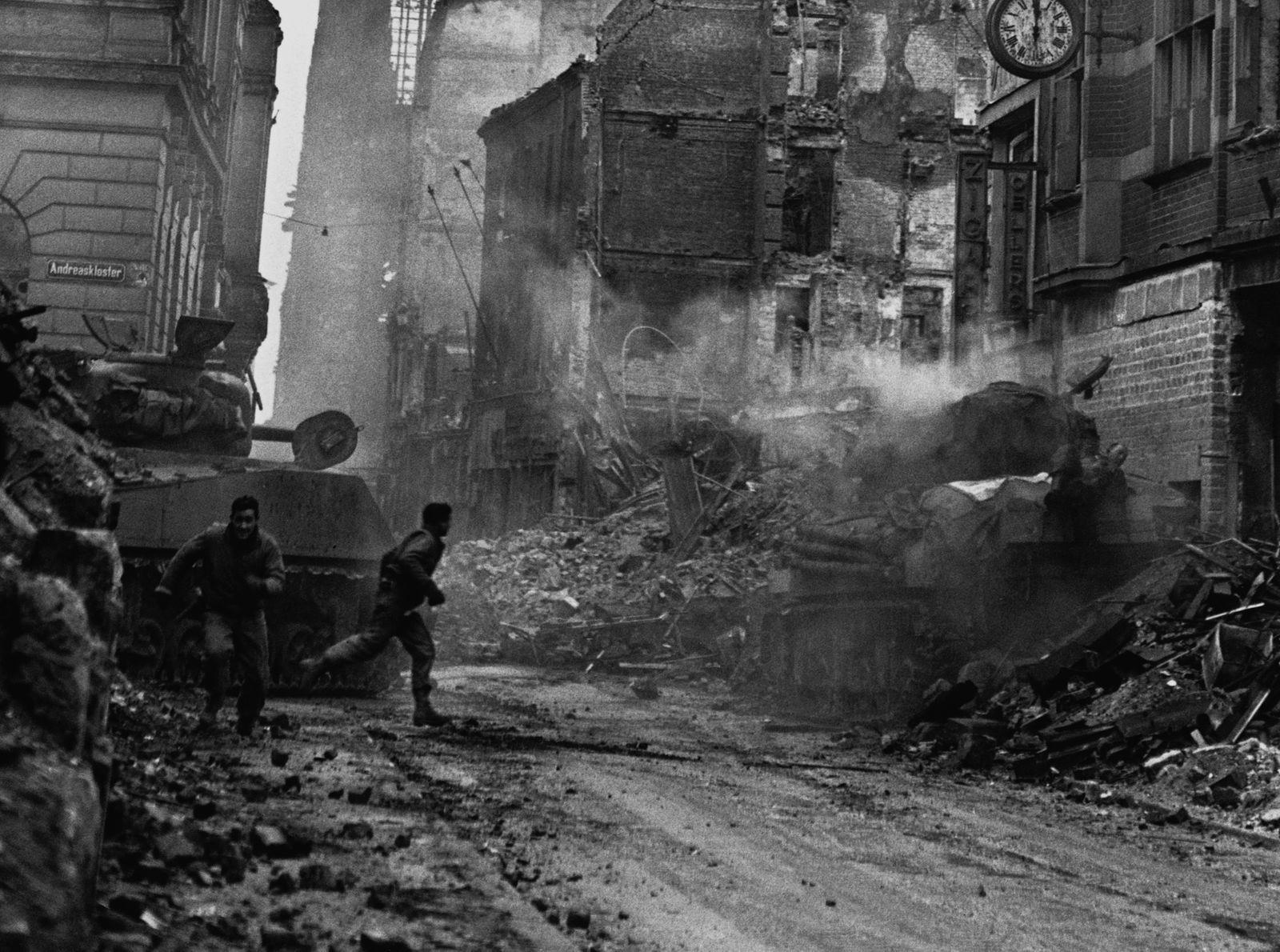 U.S. Soldiers Fighting in Cologne