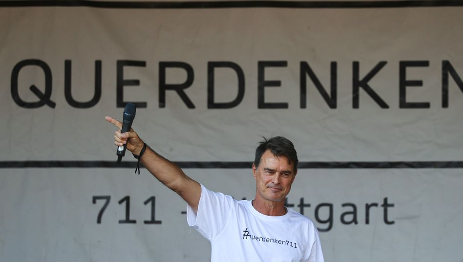 Thomas Berthold bei der Demo am 8. August
