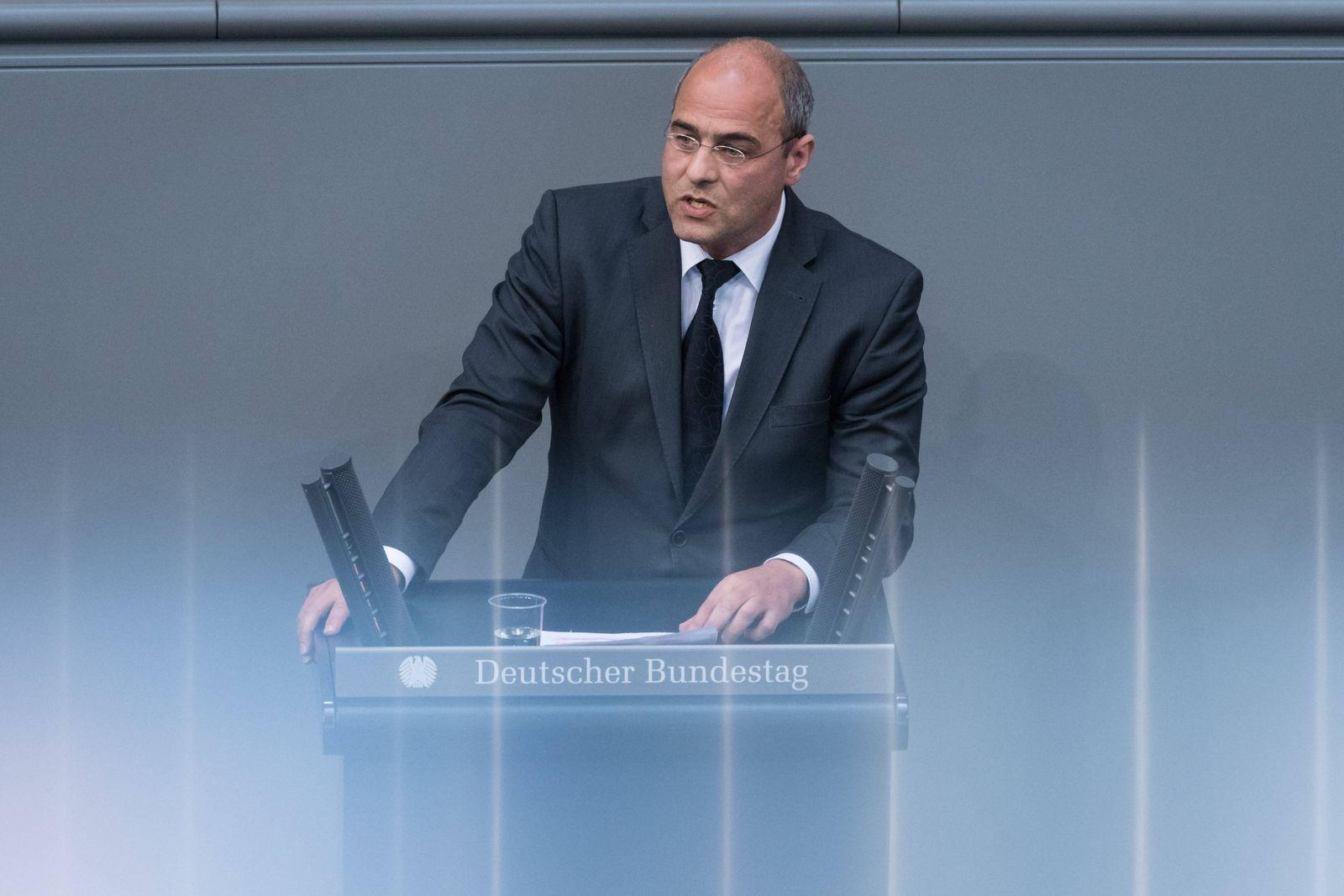 Berlin, Plenarsitzung im Bundestag Deutschland, Berlin - 25.03.2020: Im Bild ist Peter Boehringer (afd) während der Sitz