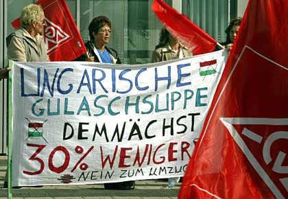 Protest von Siemens-Mitarbeiterinnen in Kamp-Lintfort: Lohnverzicht wegen der Konkurrenz mit Ungarn