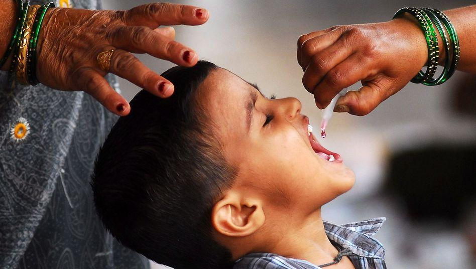 Polio-Impfung in Mumbai: Medizin ist für viele Inder ein Luxusgut