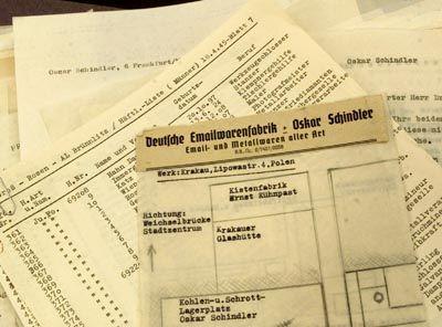 Schindlers Liste, Original: Jede Form von Menschlichkeit aus dem Lager verbannt