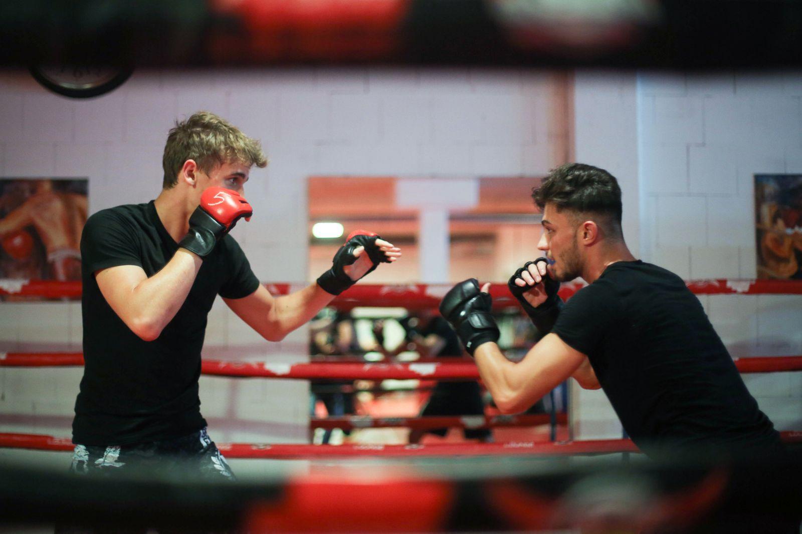 EINMALIGE VERWENDUNG Von Jiu Jitsu bis Kung-Fu - die richtige Kampfsportart finden