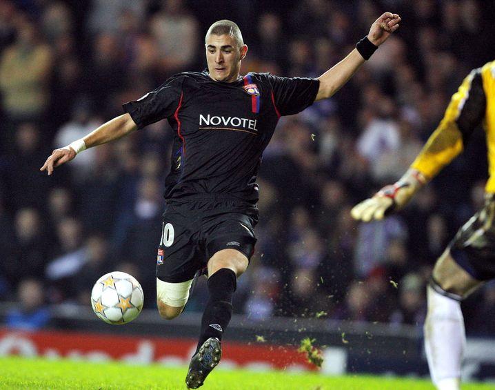 Geboren in Lyon, ausgebildet bei Olympique: Bis 2009 spielte Benzema für Olympique Lyon