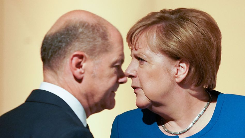 Koalitionäre Scholz, Merkel: Klimaschutz verbindlich machen