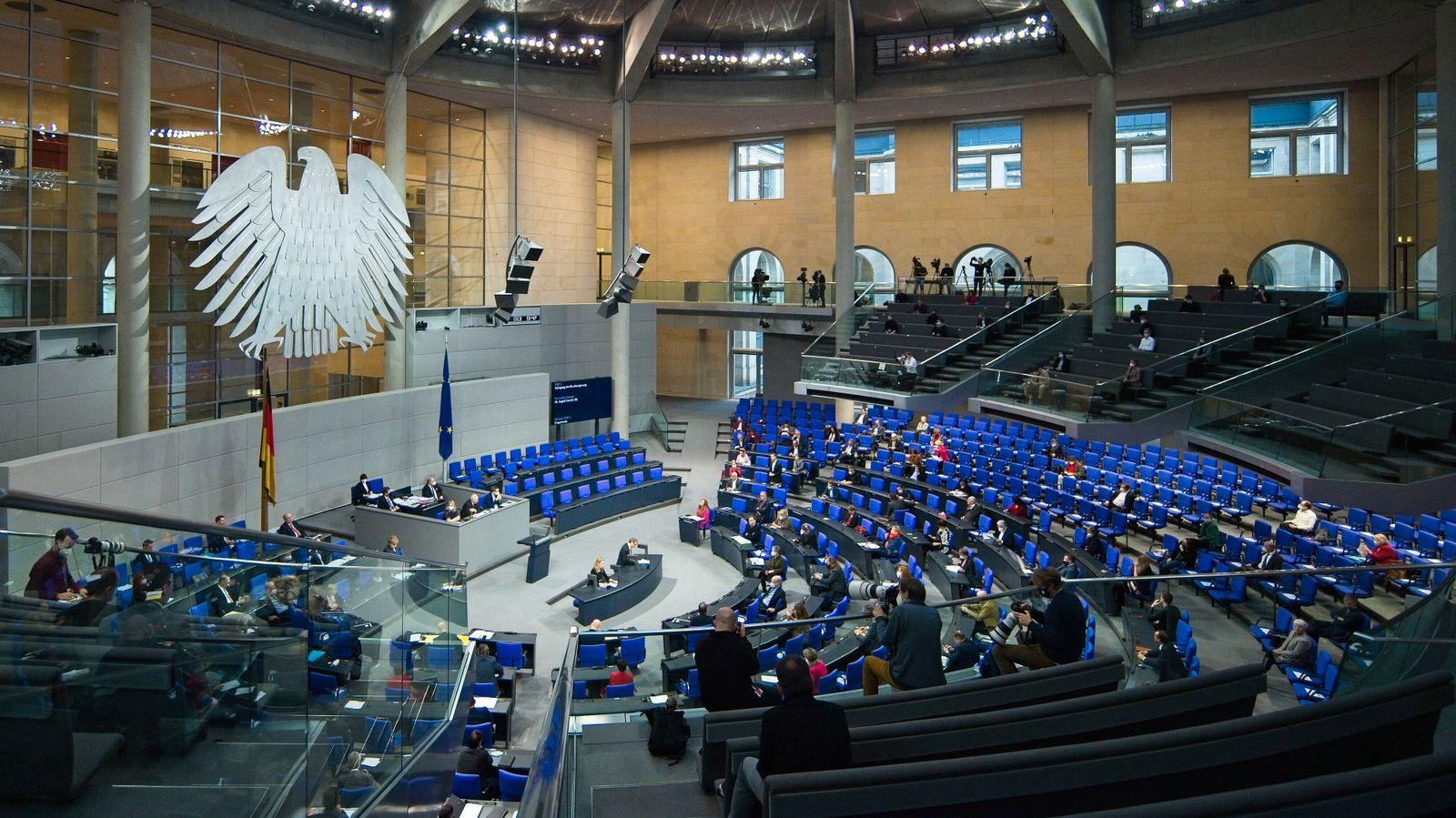 Berlin GER, Berlin, 16.12.20, Fragestunde, dt. Bundestag Impressionen - Uebersicht - Saal - Plenum, Befragung der Bunde