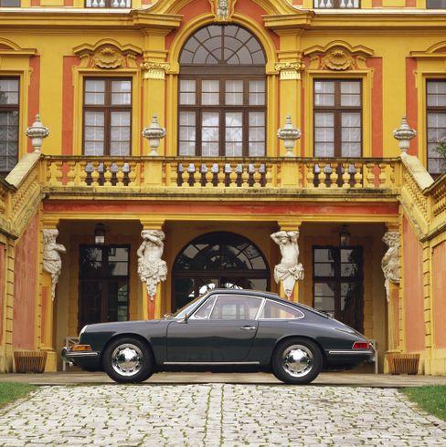 Oldtimer und Schloss: Eine besonders schöne Form der Geldanlage