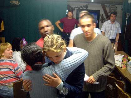 Begegnung ohne Wiedersehen? Trauriger Abschied von den Gästen aus Luanda