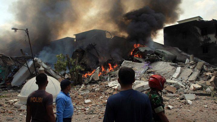 Indonesien: Flugzeugunglück auf Sumatra