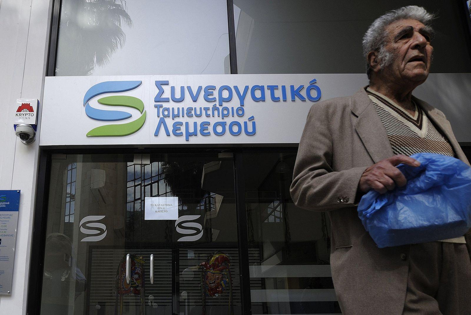 Zypern/ Bank