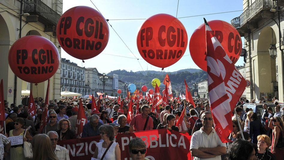 """Proteste in Turin: Aufstand gegen Berlusconis """"Blut- und Tränenplan"""""""