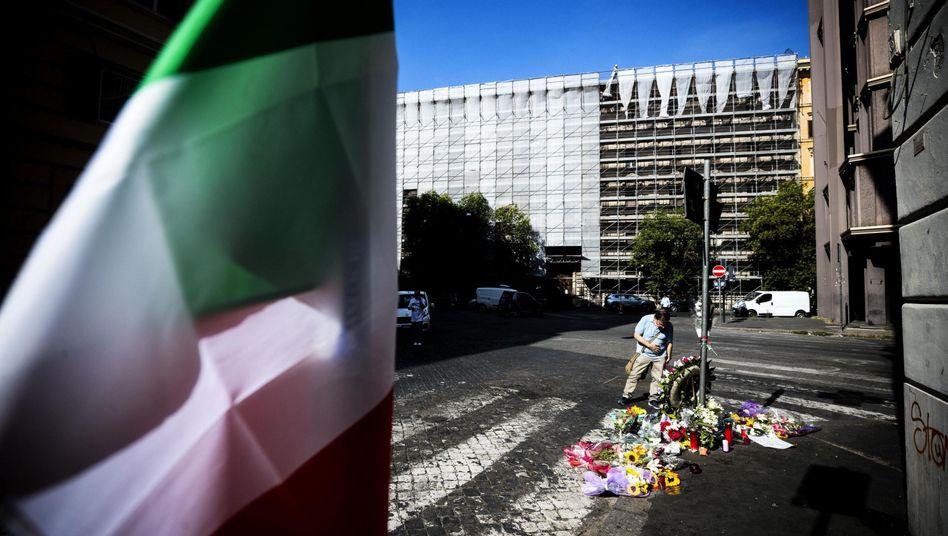 Tatort in der Nähe des Vatikans: Ein 35-jähriger Polizist ist erstochen worden, zwei Touristen sollen die Tat gestanden haben