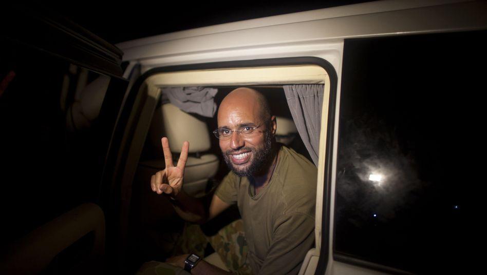 Gaddafi-Sohn Saif al-Islam: Überraschender Auftritt eines Gejagten
